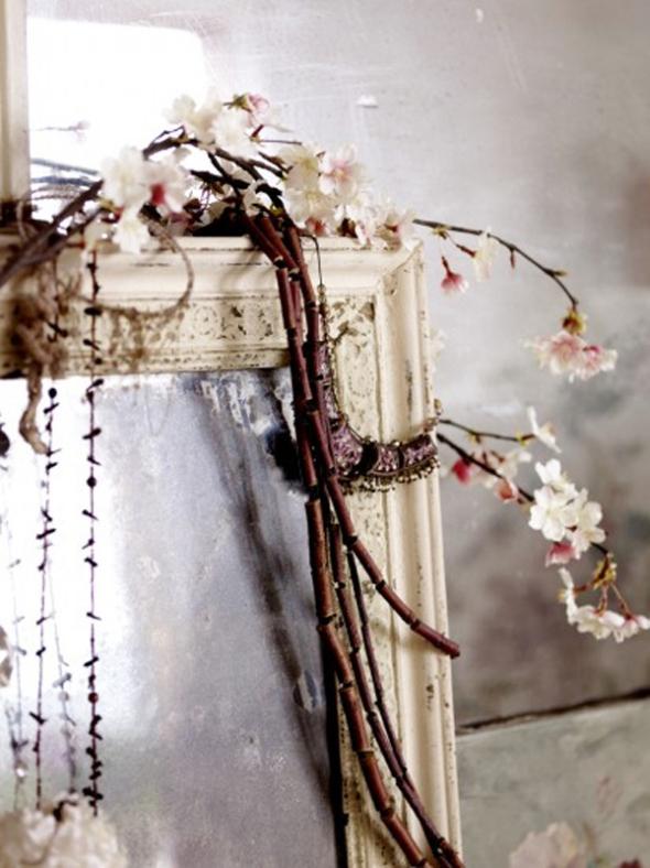 Ogledala u vintage stilu neophodan su detalj! Čine prostor vizuelno većim, a izgledaju divno romantično